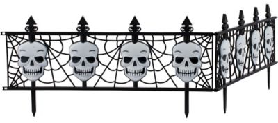 Gothic Skull Fences 2ct