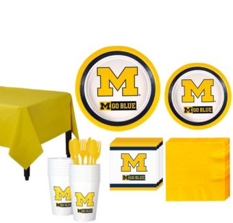 Michigan Wolverines Basic Party Kit for 16 Guests