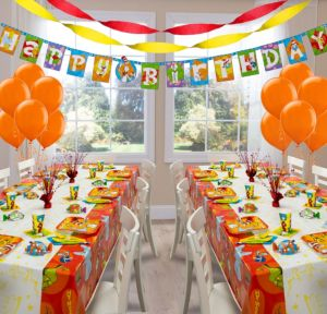Dr. Seuss Deluxe Party Kit for 16 Guests