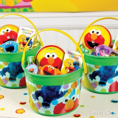 Elmo Favor Bucket Idea