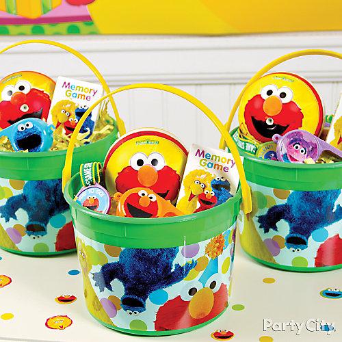 Elmo Favor Bucket Idea