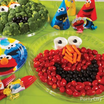 Elmo Face Veggie Platters Idea