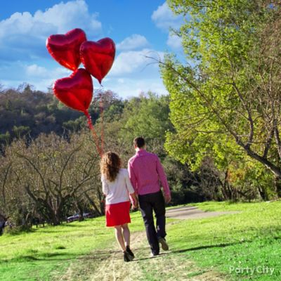 Giant Red Heart Balloons Idea