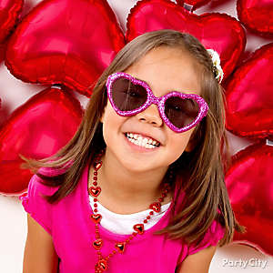 Valentine's Day Classroom Photo Booth Idea