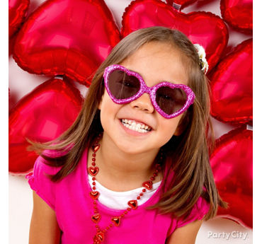 Valentines Day Classroom Photo Booth Idea