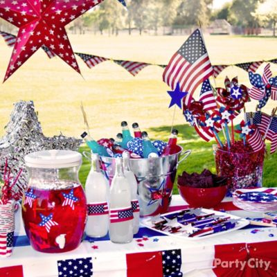 Diy american flag bandana garland idea patriotic party for 4th of july decorating ideas for outside