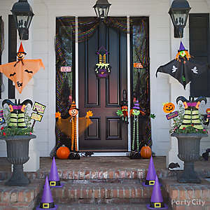 Kid-Friendly Halloween Porch Idea