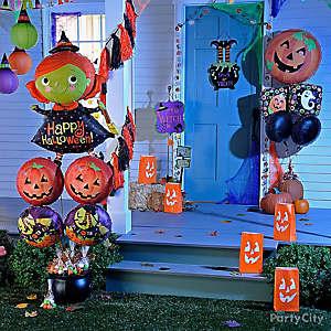 Witch and Jack-o'-Lantern Balloon Porch Idea