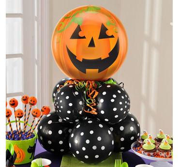 Halloween Jack o' Lantern Balloon Centerpiece Idea