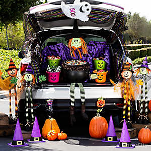 Halloween Witch Trunk or Treat Idea