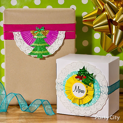 Holiday Paper Doily Gift Wrap Idea