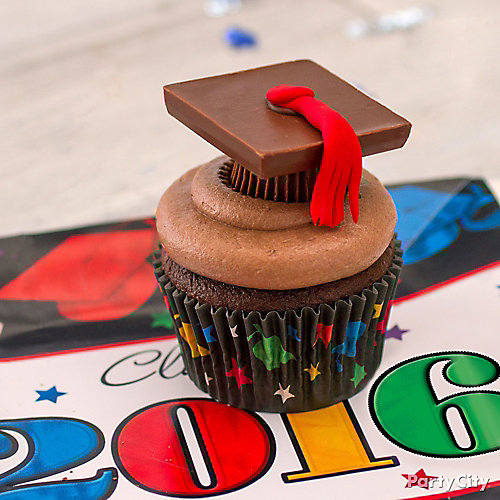 Chocolate Grad Cap Cupcake Idea