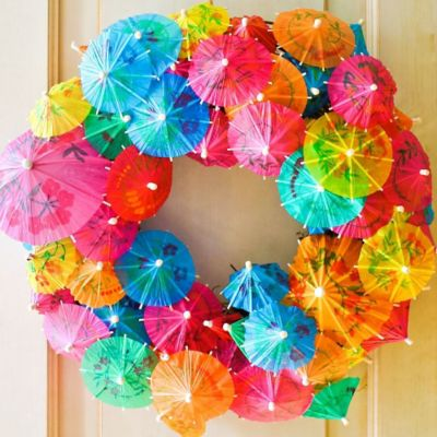 DIY Summer Cocktail Umbrella Wreath How To