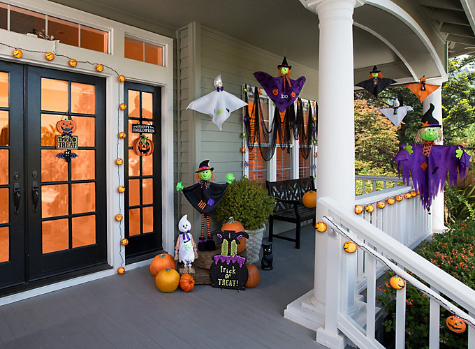 Friendly Halloween Porch Ideas