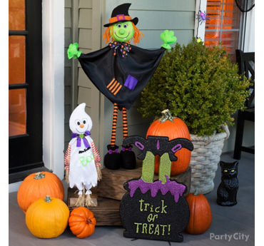 Welcoming Witch Porch Idea
