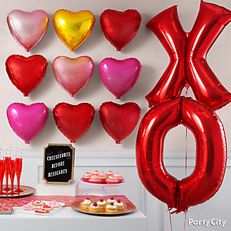 XOXO Balloon Wall Idea
