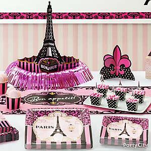 Paris Table Decor Idea