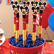 Mickey Mouse Pretzel Pops
