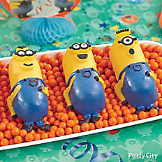 Despicable Me Mini Minions Cake