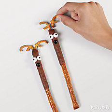 Decorate pretzels