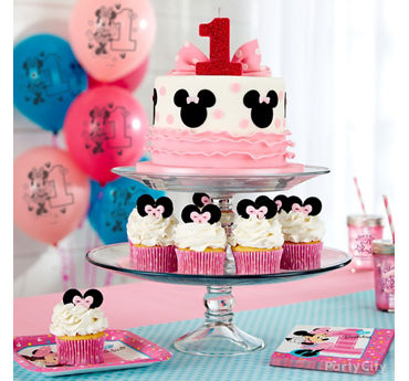 Minnie Mouse Cake and Cupcakes Idea