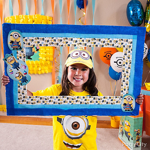 Despicable Me Frame DIY - Party City | Party City