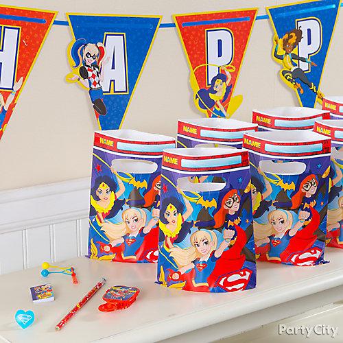 DC Super Hero Girls Favors for 8 Idea