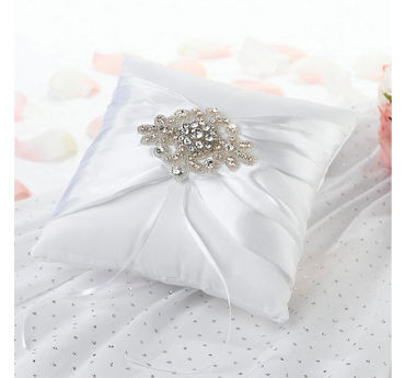 Ring Pillows and Boxes   Party City